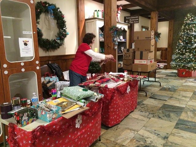 2015 Gift Wrapping Fundraiser.jpg